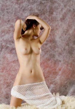 Худенькая девушка любит секс, ищет мужчину в Таганрое
